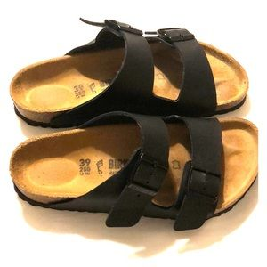 Birkenstock: Black Arizona Sandals